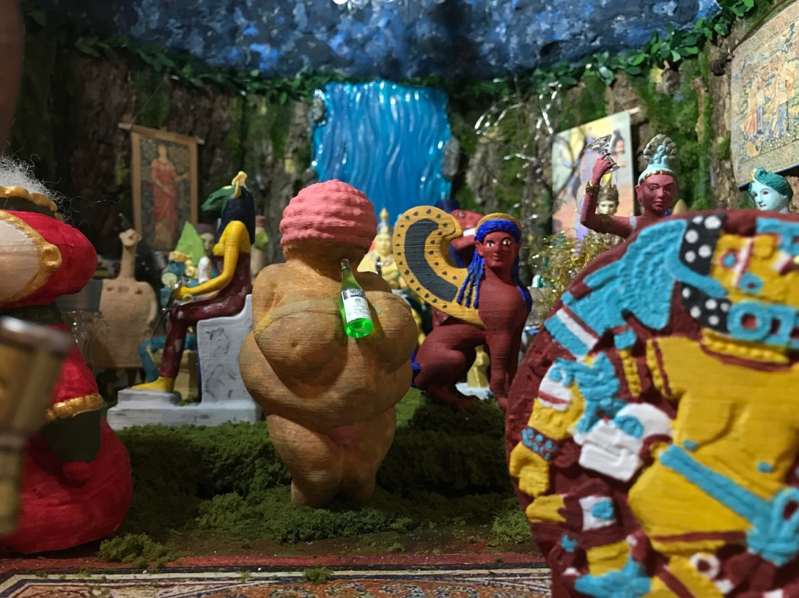 The Goddess Show – The Wonder of Miniature Worlds